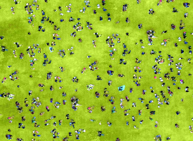 Canvas 0266 80×110 people